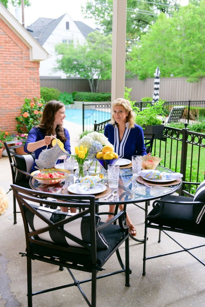 Laura and Tanya eating outside