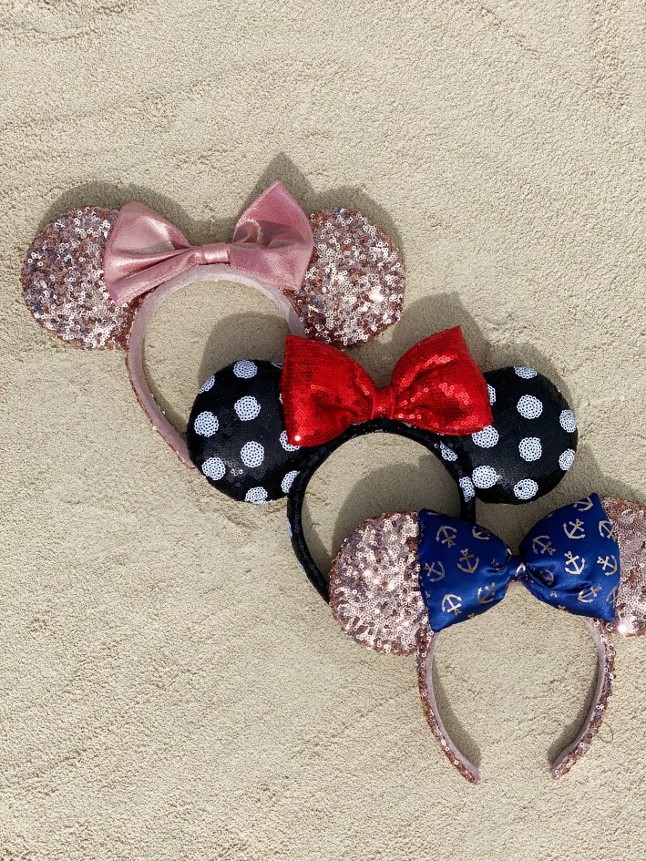 Minnie Mouse headband ears