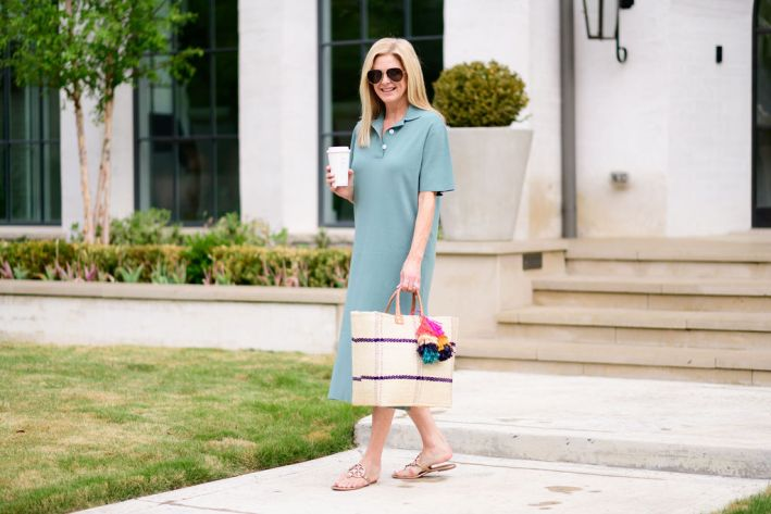 tanya foster in tuckernuck polo dress and straw bag