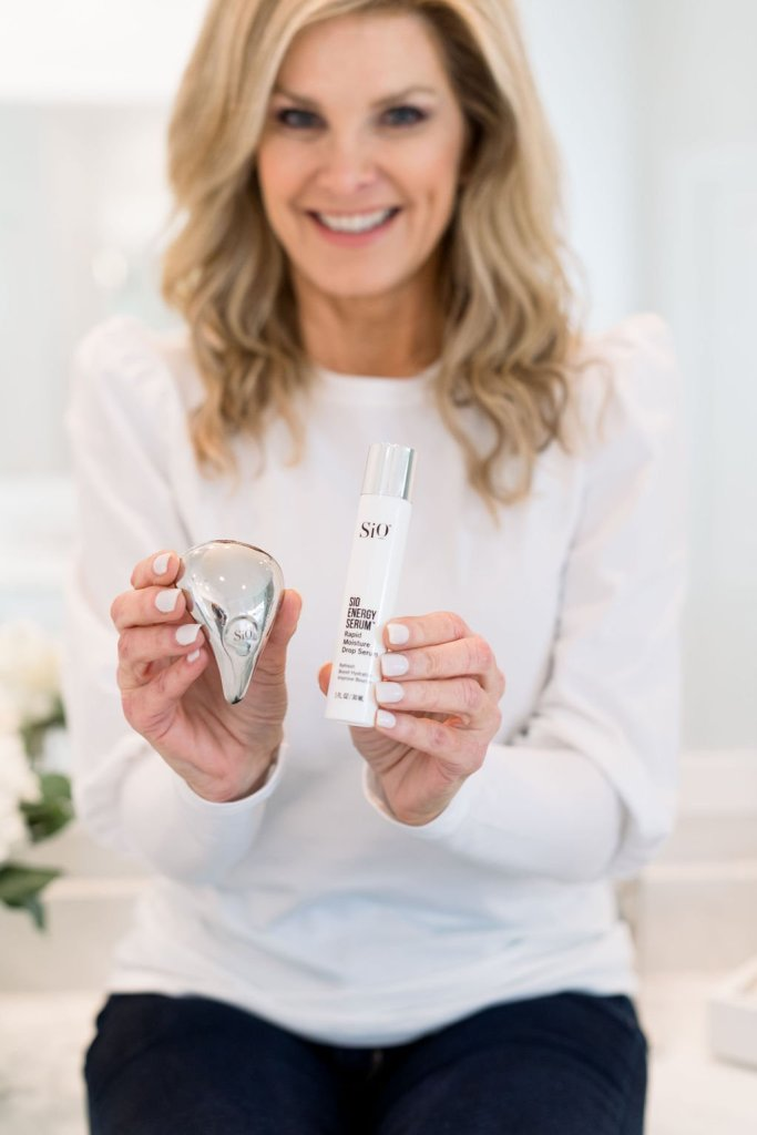 Tanya Foster holding product