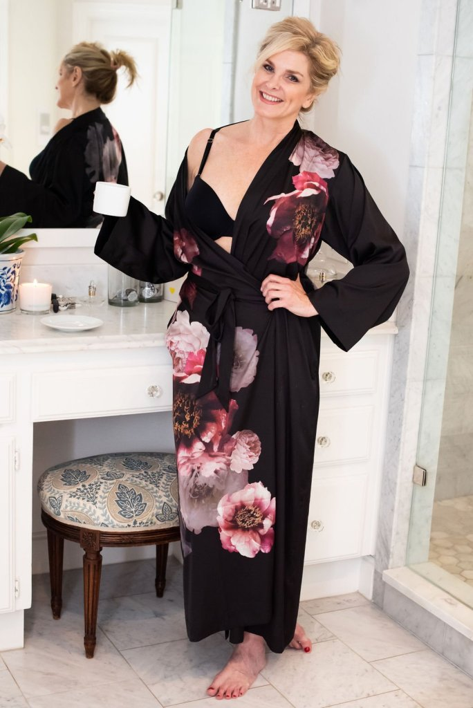 Best Tips when bra shopping | 5 Tips for Bra Shopping by popular Dallas fashion blogger, Tanya Foster: image of a woman standing in her bathroom and wearing a black Soma New Vanishing 360 Perfect Coverage Bra.