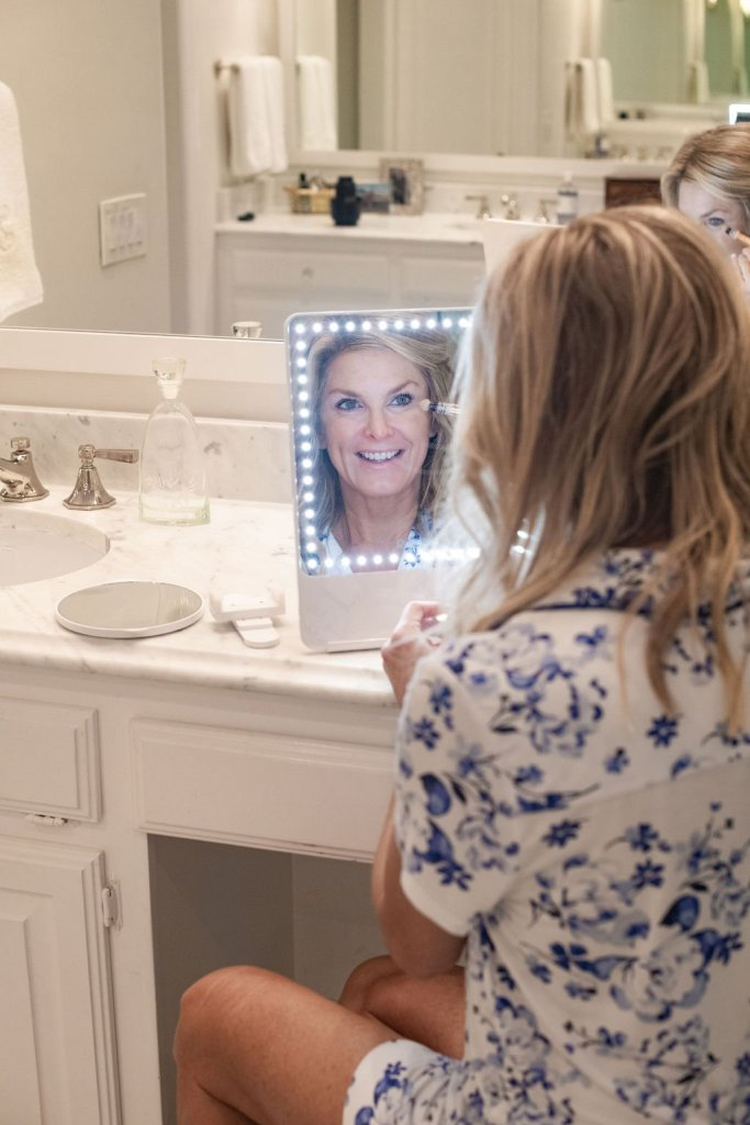 Tanya Foster uses the Riki Mirror - Skinny