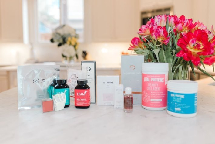 Clean Beauty Products featured by top US beauty blogger, Tanya Foster