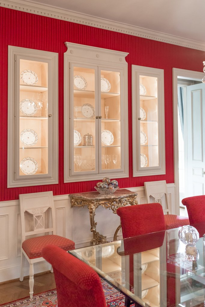 Tanya Foster uses Gracie Paper and Amy Berry Design to remodel her dining room