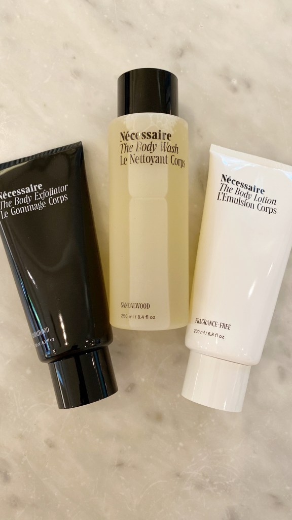 necessaire exfoliant body lotion and body wash