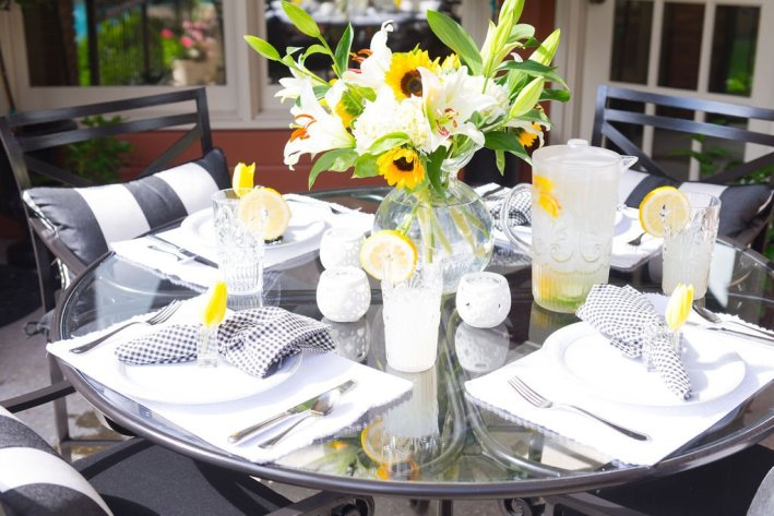 outdoor patio table setting