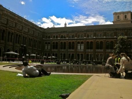V&A museum garden