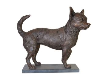 Chihuahua sculpture right view by Tanya Russell