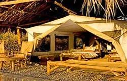 Safari a moto en Tanzanie. Tente a Tidinga Camp, Tanzanie