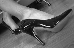 Barefoot running, plantar fasciitis, pain management