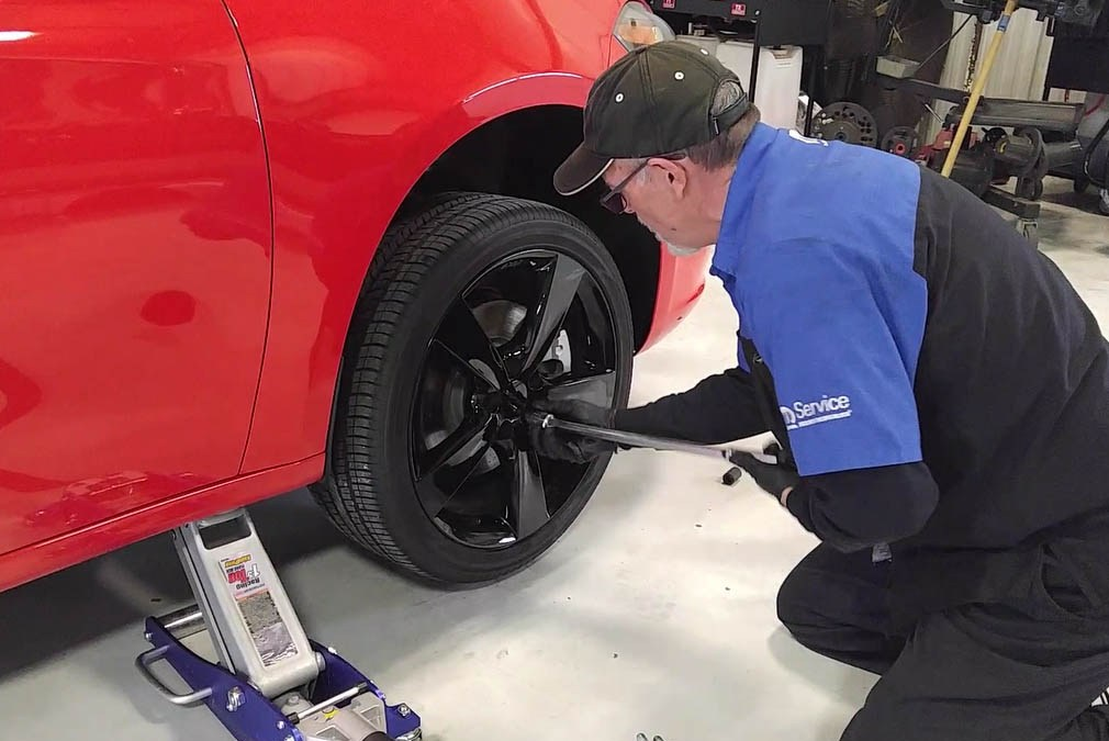How To Change A Wheel: Video
