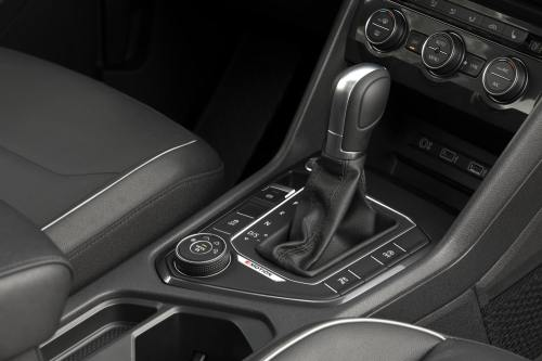 2018 VW Tiguan transmission shift lever