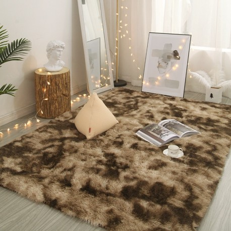 tapis shaggy couleur marron