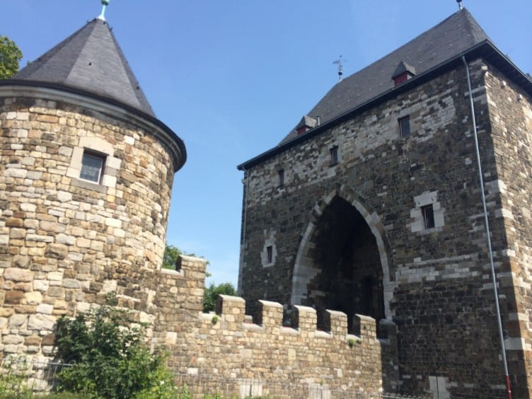 Guide to Moving to Germany; a check-list, explanations and resources list to take the worry and stress out of moving to a foreign country.
