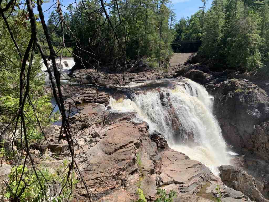 The history of the Coulonge Falls is closely associated with the great era of squared timber and log drives.