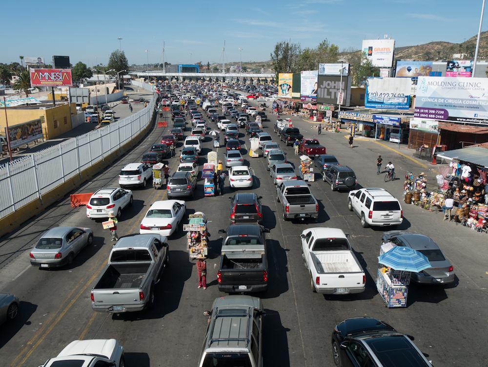 UX design lessons from Tijuana - car crossing traffic jam - Image Credit: Jay Galvin - https://www.flickr.com/photos/jaygalvin/29122921934/in/photolist-LnuA4G-3vkwJ-pu6Jem-cJfF8J-qoNQaN-pukbnM-8KzNnB-q8xAaq-3voya-voy5W-8KCWid-qqUZFH-932vQU-932viL-932vEy-932vzA-3vidc-8KXEgR-8t5Xrz-932vos-932uLG-8L1RRm-8L1Hnj-3veZH-sihAHa-8KXND4-rGt55g-Sa85JN-RZ8u1d-3vgJg-vozpJ-9ya2jo-3v21a-3uZh3-2i7ow-3uZo2-4QUBjP-8JUu7v-6o8cee-3uZcm-3v1TF-3vf6K-ogxY19-voAWS-3uXsg-3vfzP-voAWL-voAvZ-vowWV-DLw7Fa