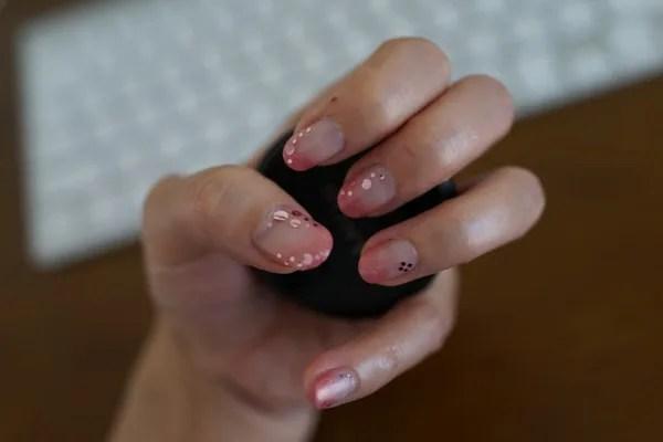 自作ジェルネイル ピンクホログラムでイメージは春の桜!
