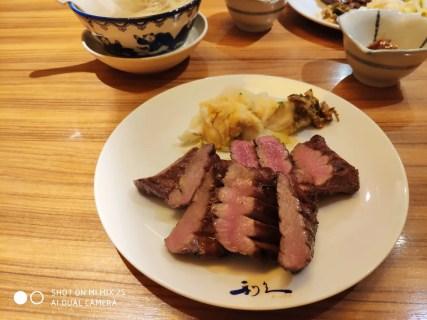 博多で美味しい牛タンと言えば「牛たん炭焼 利久 」