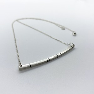 taraelaina silver trapeze bar necklace