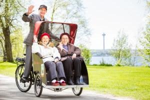 Pyörällä kaiken ikää. Kuvaaja: Tiina Puputti