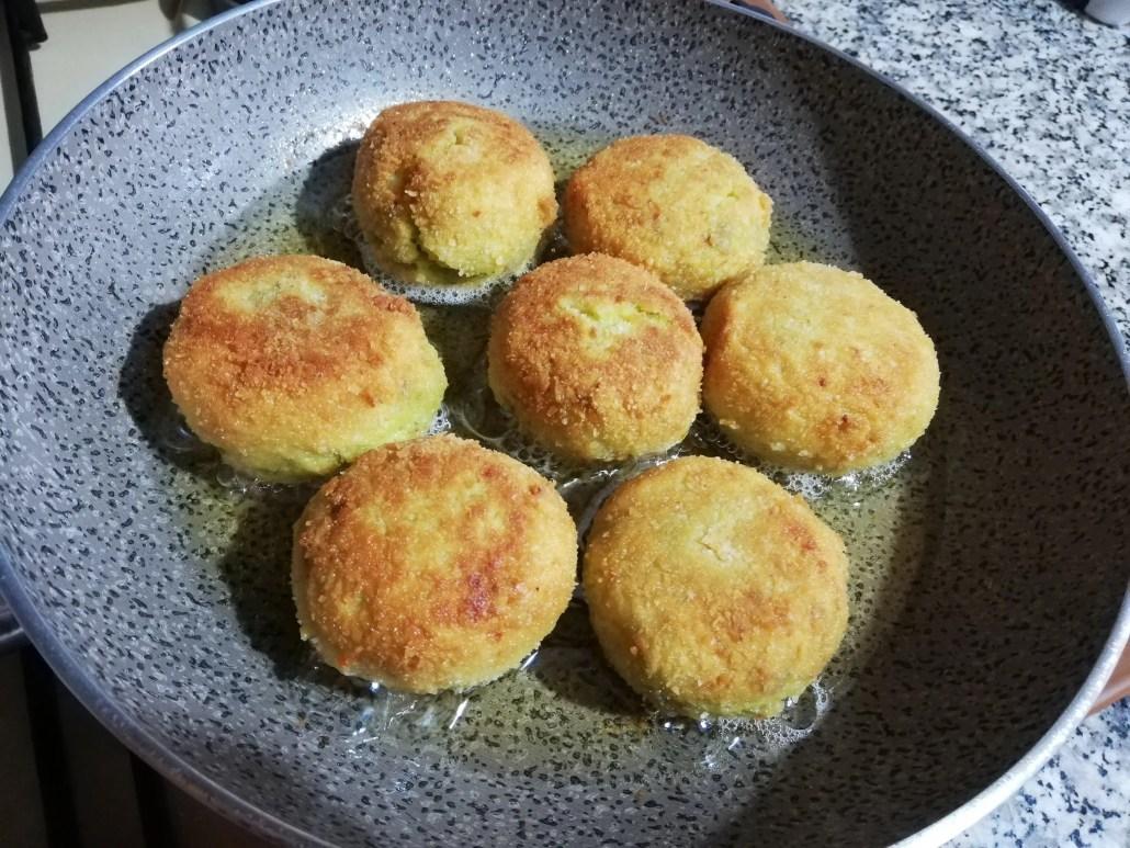 Polpette di asparagi al forno e fritte