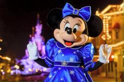 Mickey Mouse Happy Birthday Disneyland Paris3