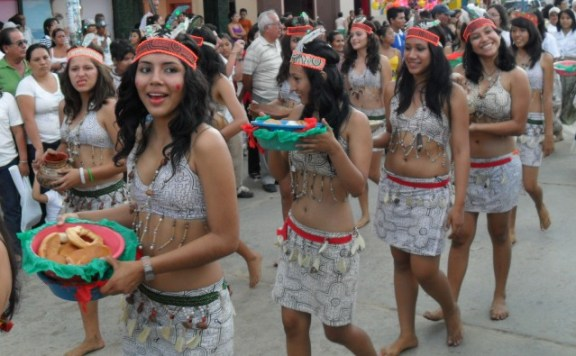 tarapotinas-traditional-dress