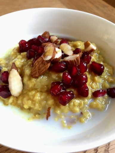 """""""Turmeric Latte"""" Porridge #veganuary"""