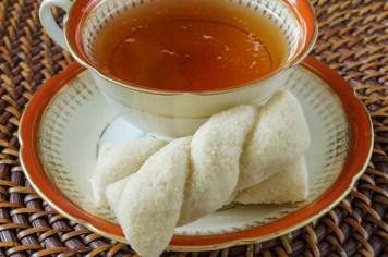Ka'ak b'sukar (Syrian Sugar Cookies)