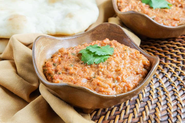 Rougaille Pistache (Mauritian Peanut Sauce) in two brown bowls.