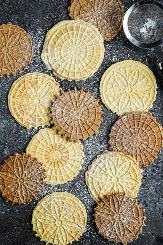 pizzelle-italian-waffle-cookies-3-of-6