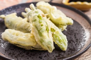 Shishito Tempura (Japanese Fried Shishito Peppers)