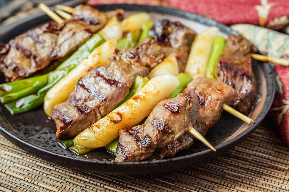 Tteok Sanjuk (Beef Skewers with Green Onions)