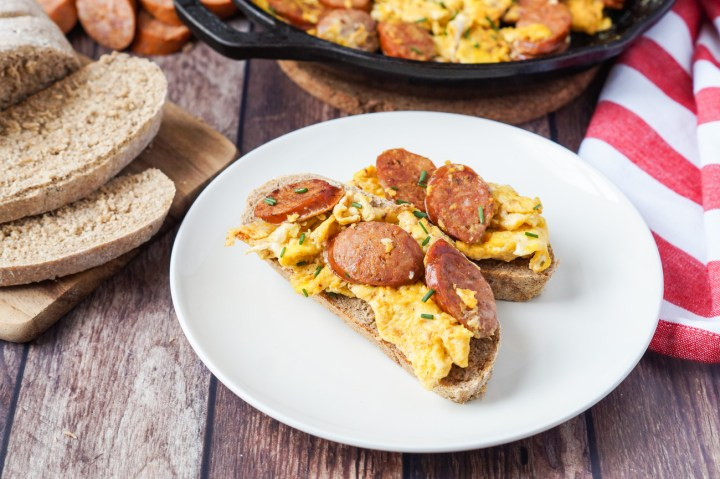 Jajecznica (Scrambled Eggs with Polish Sausage)