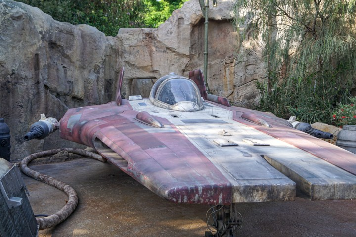 Star Wars red ship with white stripe at Galaxy's Edge