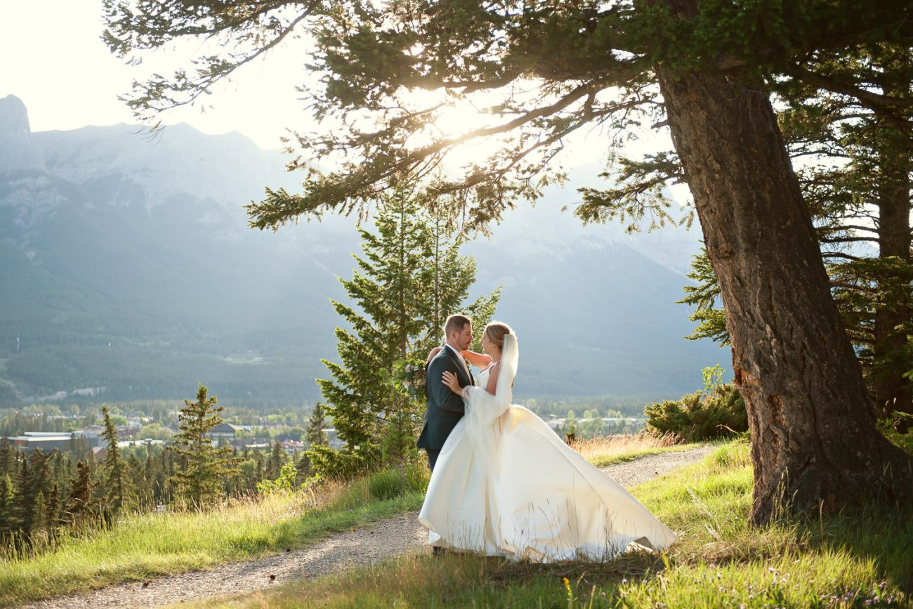 Bridal portrait overlooking the Bow Valley in Canmore captured by Tara Whittaker Photography