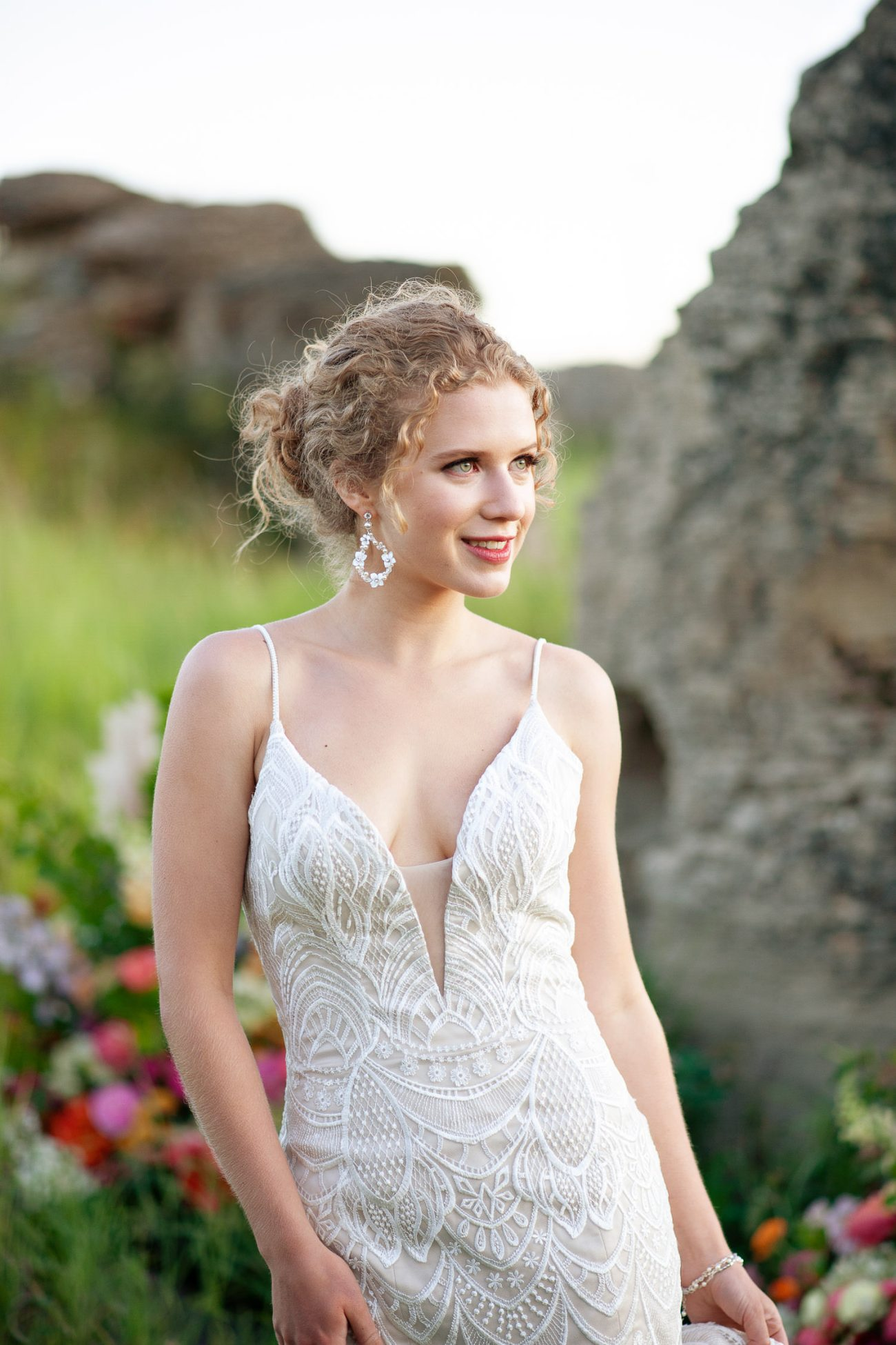 Alberta bride wearing a lace gown from Lis Simon captured by Tara Whittaker Photography
