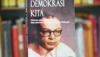 sebuah Buku Demokrasi sosial kita dari bung hatta