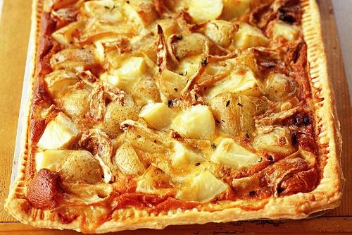 طريقة عمل تارت البطاطس بالنقانق