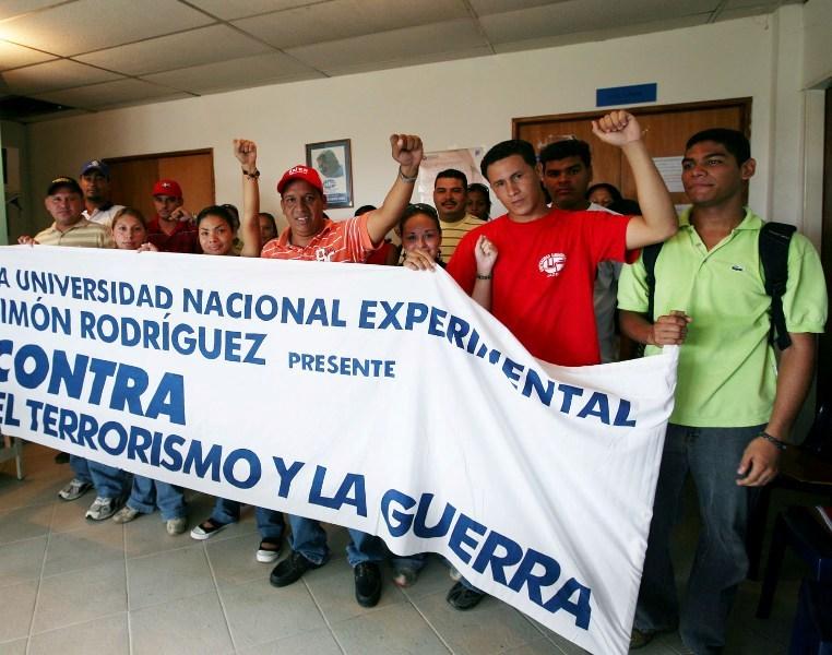 https://i2.wp.com/tarek.psuv.org.ve/wp-content/uploads/2008/09/estudiantes-del-universidad-simon-rodriguez.jpg