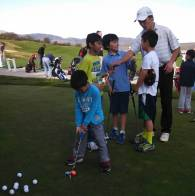 juniors-on-putting-green-Coach-Chris-1