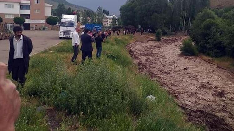 Bingöl'ü, depremden sonra sağanak vurdu