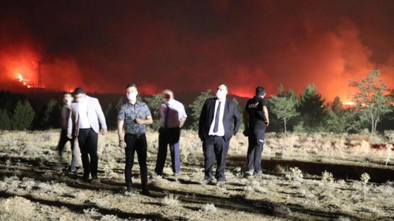 Denizli'deki Orman Yangını Burdur'a Sıçradı