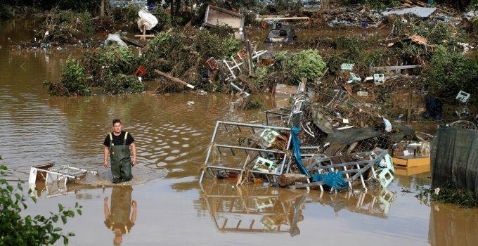 Almanya'da Sel Felaketi: Ölü Sayısı 100'ü Aştı