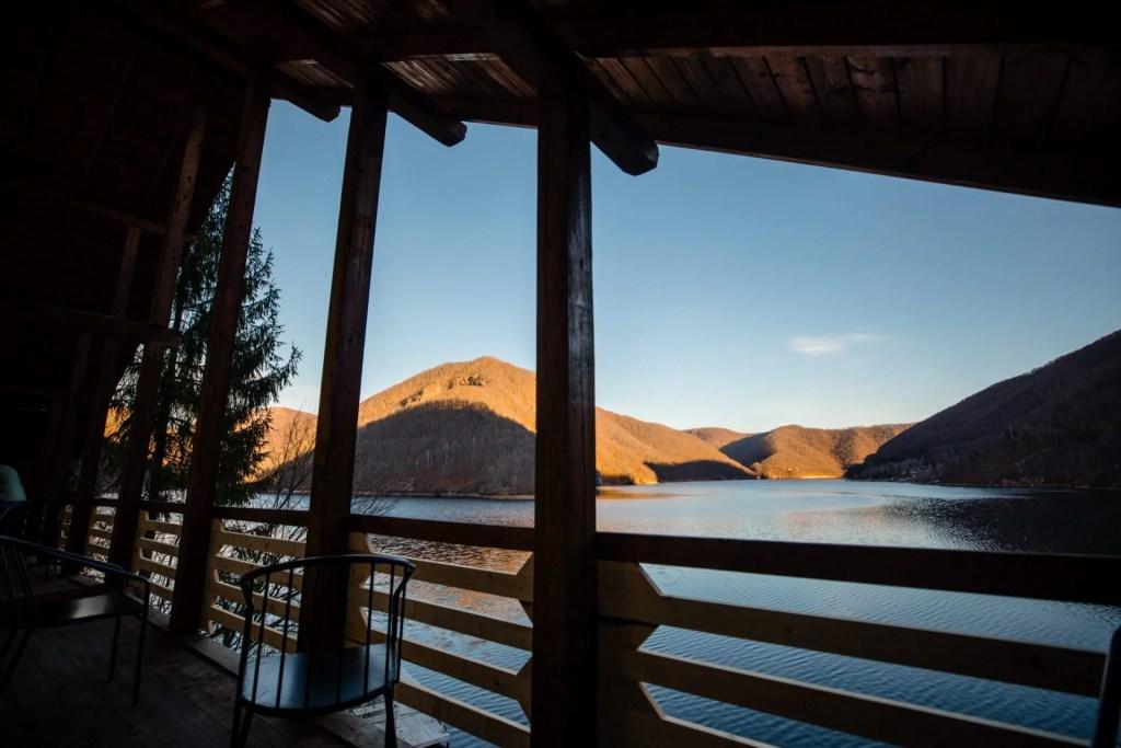 Lake House 31