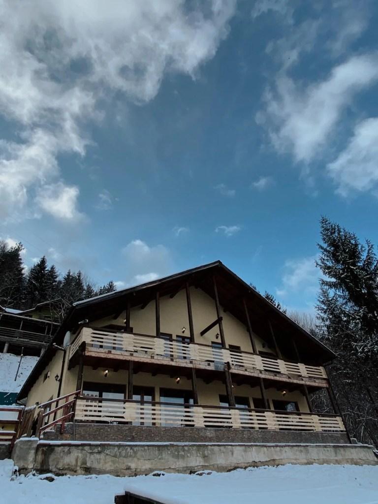 Lake House 62