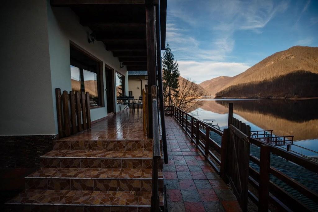 Twin Lake House 19