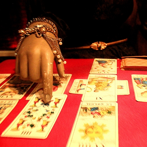 Online Tarot Reading Advisors: How Do They Do It? - Tarot Study