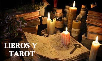 Libros y tarots