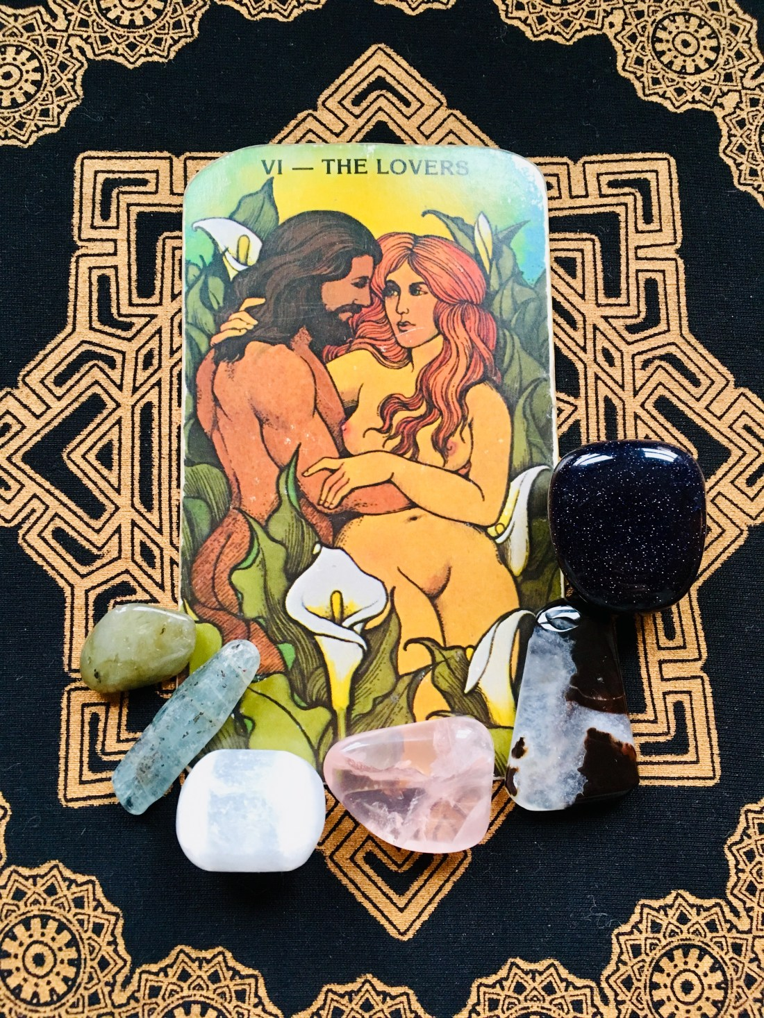 The Lovers Tarot card, weekly forecast for January 25th, 2021. Loving life.